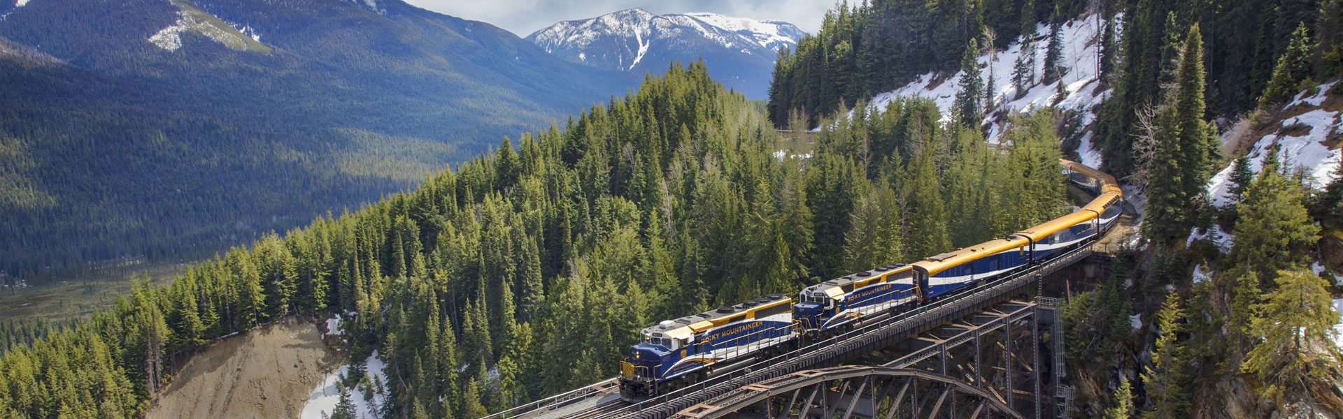 Canadian Rockies Train Trips | Rocky Mountaineer Train Banff