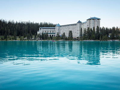 Fairmont Chateau Lake Louise Hotel Exterior