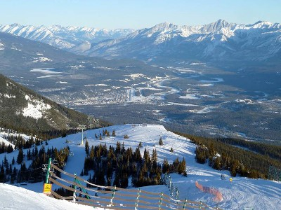 Jasper Ski Packages | 7 Nights with 5 Day Ski Pass