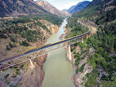 Canadian Rockies Train Trip Combo Circle| VIA Rail | Rocky Mountaineer