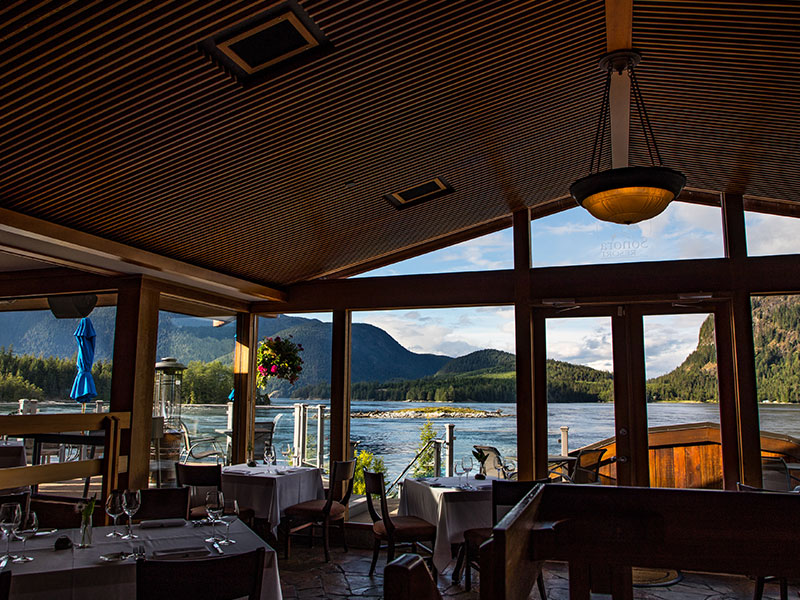 Salmon Fishing Package West Coast Canada   Sonora Resort