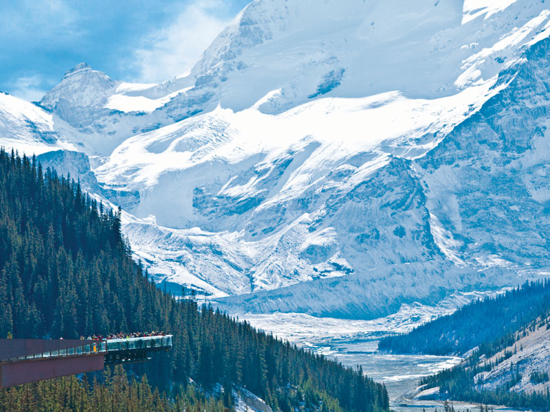 Spectacular Lodges of the Canadian Rockies Road Trip | Glacier Skywalk